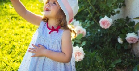 Orange-County-Bee-Removal-Experts-Share-How-to-Teach-Your-Children-About-Bees